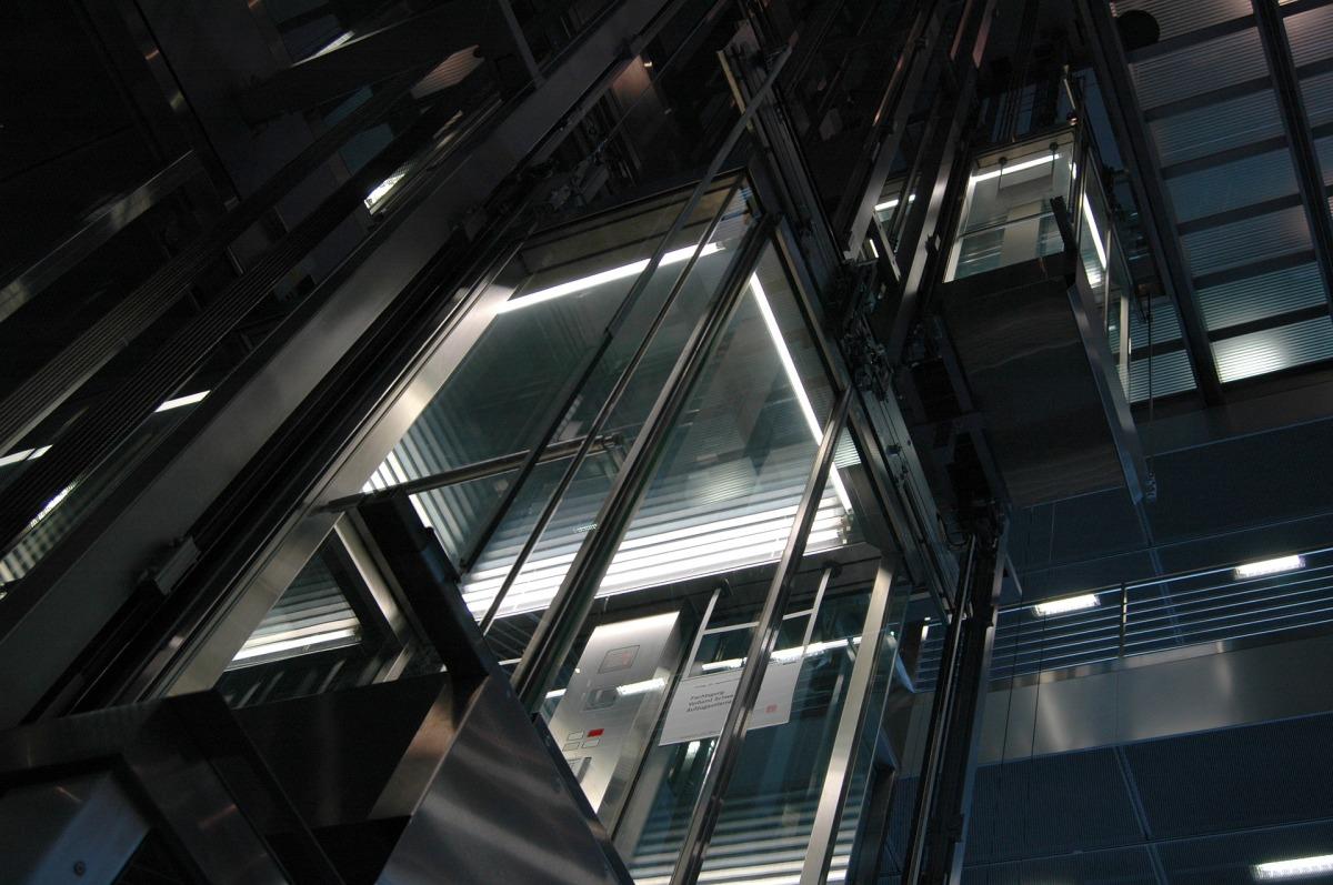 Frais d'entretien et dépannage de l'ascenseur dans son immeuble. Qui paie?