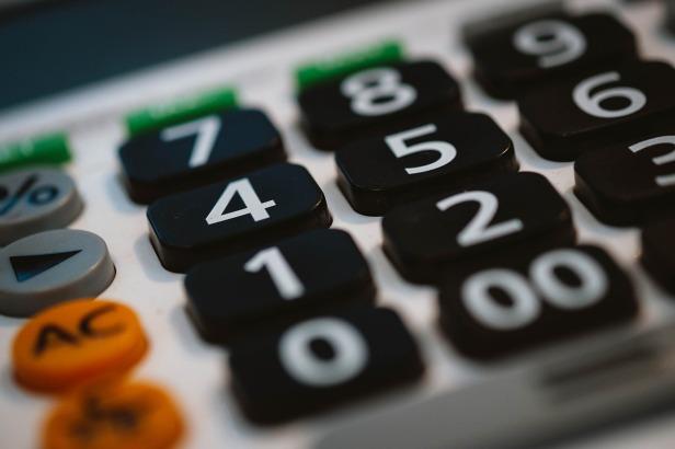 calculator-820330_1280(1)