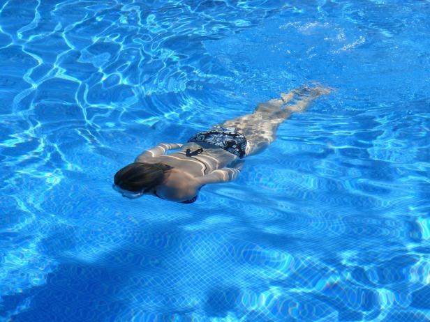 swim-422546_1280