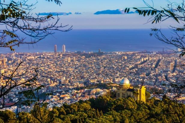 barcelona-838716_1280