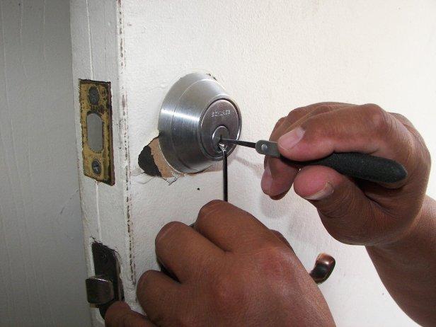 locksmith-1947387_1280(4)